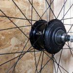 Einspeichen, Umspeichen und Zentrieren von Laufrädern